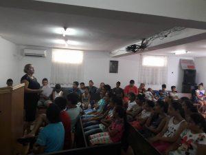 veel kinderen in de zaal